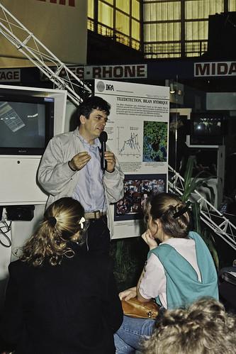 Mr JACQUES CHIRAC au SIA 1990-69-cliche Jean Weber