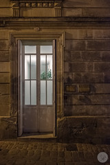Docteur (jdelrivero) Tags: paises arquitectura puerta saintémilion elementos francia countries france architecture elements entrada gate nouvelleaquitaine fr