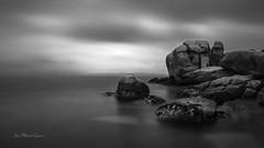 Just rocks (ЈΘŠΞПΔ72 ) Tags: fuji fujifilmx100f josema72 rocks galicia rocas blackandwhite bw saariysqualitypictures