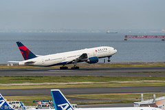 170511 Haneda Airport Terminal 2-23.jpg (Bruce Batten) Tags: vehicles aircraft northpacificocean plants subjects transportationinfrastructure boats shadows locations tokyobay oceansbeaches airports honshu automobiles reflections tokyo japan airplanes