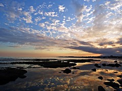 Reflejos (Antonio Chacon) Tags: andalucia atardecer marbella málaga mar mediterráneo costadelsol cielo españa spain sunset nubes nature naturaleza paisaje agua orilla