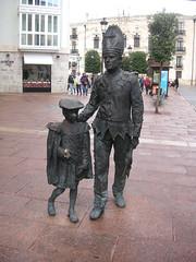 Burgos - Standbeeld (Bartwatching) Tags: burgos standbeelden statues rodrigodiazdevivar elcid fietsvakantie fietsvakanties spanje spain elcaminodelcid