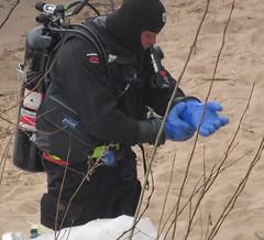Blue gloves (chemsuiter) Tags: bluegloves drysuit shoredive diveteam