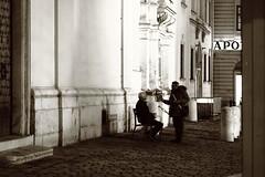 Let's talk this over (No_Mosquito) Tags: vienna austria city centre night canon powershot g7x mark ii dark lights street historic freyung