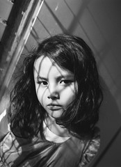 maika (Louïs Rault Watanabe) Tags: pentax 645 400tx sister daughter maika monochrome portrait 5