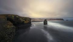 Dyrhólaey (Toni_pb) Tags: islandia iceland dyrhólaey landscape longexposure led largaexposicion nature naturaleza nubes nikon nikkor142428 nd10 d810 dawn densidadneutra paisaje panorama panoramica pano panoramic playa beach beautifulearth