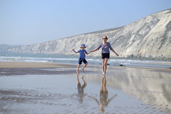 Family Beach Time - DSCF2654 (s0ulsurfing) Tags: s0ulsurfing 2017 april isle wight beach coast compton family