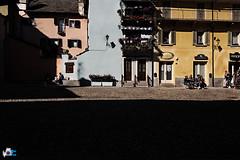 Piazza chiossi (mrpistons (Giuliano)) Tags: domodossola vco piemonte italia verbania colori piazza borgo plaza place italy