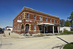 The HOTEL APLINGTON (Pete Zarria) Tags: iowa hotel motel ghost sign small town old red brick architecture decay abandoned