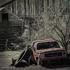 Another Tired Old Truck( No.4)    ...HTT! (jackalope22) Tags: htt truck rd selective color chevrolet