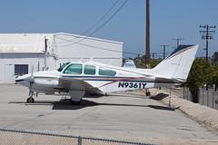 Private Beech B55 Baron N9361Y (jbp274) Tags: smo ksmo santamonica airport airplanes beech beechcraft baron b55