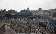 1976 - Kings Cross Layout.. (Robert Gadsdon) Tags: 1977 kingscrossstation panorama platforms tracklayout class31 deltic yorkroad platform14