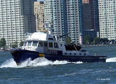 NYPD Harbor Unit (featfannyc) Tags: newyorkcity nyc september2016 downtownmanhattan nypd harborunit newyorkpolicedepartmenthudson river