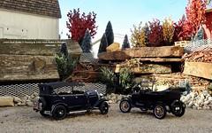 1925 Ford Model T Touring & 1931 Ford Model A Phaeton (JCarnutz) Tags: modelt diecast sunstar danburymint 1925 ford modela 1931