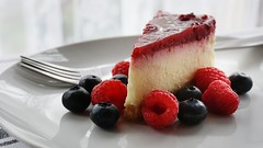 DSC01153-02 (suzyhazelwood) Tags: cheesecake desserts dessert cakes food creativecommons sony a6000 fruit blueberries raspberries raspberry berries