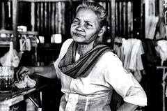 (isabelle.giral) Tags: nb noir bw blanc burma birmanie myanmar mawlamyine woman femme portrait monochrome personnes pentax