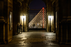 Pyramide du Louvre, Paris, 2015 (KSWest) Tags: 2015 copyright copyright©2015 travel ©kswest ©stevewest ©stevenwest paris france fra pei pyramide louvre dark pyramid unique