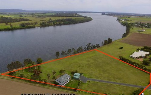 114 River Rd, Palmers Island NSW 2463