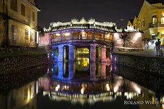 Hoi An - Japanese Bridge (Rolandito.) Tags: south east asia southeast viet nam vietnam hoi an night light lights japanese bridge river reflection