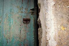 La mia terra non è solo mare ... il paesino di Soglio (Augusta Onida) Tags: soglio liguria italia italy valfontanabuona porta door vecchio old vintage muro wall paesiabbandonati gosttown