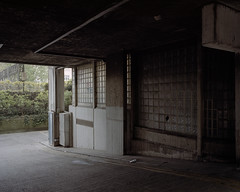 untitled, Camden, 2017 ([Photom]) Tags: 120 6x7 architecture alexandraandainsworthestate england kodakportra400 london mamiya7ii newtopographics places uk brutalism concrete film mediumformat modernism