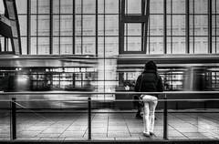 (Magdalena Roeseler) Tags: street strassenfotografie streetphotography city urban candid people bw blackandwhite monochrome olympus travel trainstation zuiko12mm