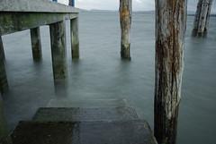 Le scale di Agilla (luc.feliziani) Tags: lago lac trasimeno pontile nuvoloso acqua cemento legno italy umbria traghetto giugno