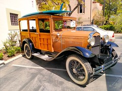 Surf's up,dude! (Thad Zajdowicz) Tags: zajdowicz pasadena california car vintage vehicle classic ford modela woody surfboard outdoor outside availablelight cellphone photoshopexpress motorola droid turbo smartphone cameraphone mobile android usa color wheels colour