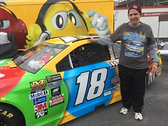 A selfie by Kyle Busch's car at Bristol Motor Speedway (Hazboy) Tags: hazboy hazboy1 bristol motor speedway fan zone april 2017 tennessee us usa america nascar race races selfie kyle busch car 18