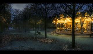 Paris n°154 - Merry-Go-Round