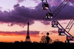 Paris -- La ville dans toutes ses couleurs (deborahb0cch1) Tags: photogratphie ratp concours paris competition concorde roue sunset couchédesoleil sky outdoor pariscolours nuages clouds postcard
