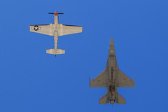 """USAF Heritage Flight: , F-16C Fighting Falcon and P-51D Mustang  """"Wee Willy II"""" (Norman Graf) Tags: wee willy ii 2016mcasmiramarairshow 4484961 910398 aerobatics airshow aircraft airplane f16 f16c fighter fightingfalcon g4u generaldynamics heritageflight jet mustang n7715c northamerican p51 p51d plane sw stevehinton viper wwii warbird weewillyii"""