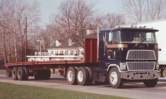 Ford CL9000, small sleeper (PAcarhauler) Tags: ford coe cabover semi tractor trailer truck
