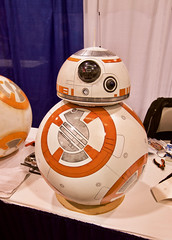 T60C8763 Wonder Con 2017: Sunday (ivankay) Tags: wondercon wondercon2017 ivankay anaheimconventioncenter starwars bb8 theforceawakens droid