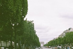 (Tori Taylor) Tags: champs eleysees france paris city trees road vehicle vehicles sky point arc de triomphe urbn urban experience architecture vanishing distance people cities european europe french street streets canon t50 35mm film photog photography colour fujifilm iso 400 manualfocus