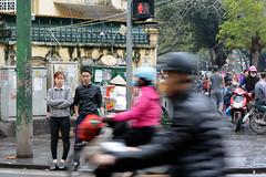 Just Hanoi (Juæn) Tags: vietnam hanoi street streetphotography calle asia lluvia rain motorbike moto people gente trafico