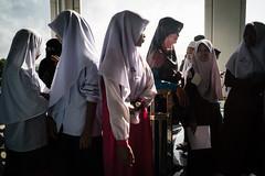 * (Sakulchai Sikitikul) Tags: street snap streetphotography songkhla sony a7s thailand voigtlander 28mm islamic islam muslim children masjid ngc