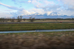 High Tatras seen from the train (Timon91) Tags: train trein vlak voz zug eisenbahn rail railway rails osobny ceske tren trem railroad railways bahnhof bahn gleis zssk slovak slovakia slowakije slowakei slovenskárepublika slovensko spoor spoorweg spoorwegen station stanica stanice nadrazi hlavní mountain mountains bergen berg gora hore tatra vysoke tatry high hoge