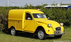 Citroën 2CV AZU 250 1974 (XBXG) Tags: 18ya84 citroën 2cv azu 250 1974 azu250 citroën2cv 2pk deuche deudeuche eend geit 2cv6 besteleend van utilitaire bestel wagen bestelwagen bestelbus fourgonnette jaune yellow citromobile 2017 citro mobile vijfhuizen nederland holland netherlands paysbas vintage old classic french car auto automobile voiture ancienne française vehicle outdoor