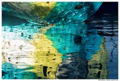 Other Lives (Matías Brëa) Tags: agua water reflejo reflection color atraccion feria
