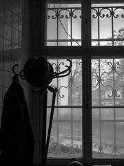 ambiance rétro (objet introuvable) Tags: blackandwhite bw nb noiretblanc light lumière ombres contrast contraste window fenêtre praha prague ville street ambiance moody lumixgx8 lumix panasonic