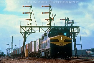 C505 with a Forest of Signals at Tailem Bend (1982)