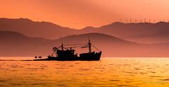Les montagnes oranges. (Bouhsina Photography) Tags: bouhsina bouhsinaphotography canon 7dii ef70200 tétouan maroc marinasmir été 2016 silhouette montagne mediterannée