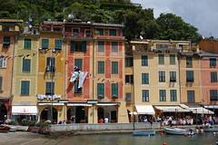 Portofino, Italy 2017 (Jan Saunders) Tags: colorfulhouses laundry