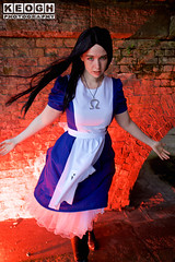 IMG_2423.jpg (Neil Keogh Photography) Tags: fantasy books aliceinotherlands alicemadnessreturns films disney boots lace fiction blue gardens necklace alice nwcosplayjunemeet2016 skirt arch bridge dress tights lewiscarroll tv stones red female green girl americanmcgeesalice aliceinwonderland cosplay alicethroughthelookingglass apron waltdisney black animation cosplayer colourgels cartoon white