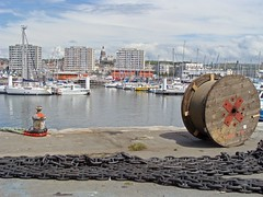 Port de Boulogne et vue sur la ville (montane.stephane) Tags: architecture batiment ville bobines chaines port paysage