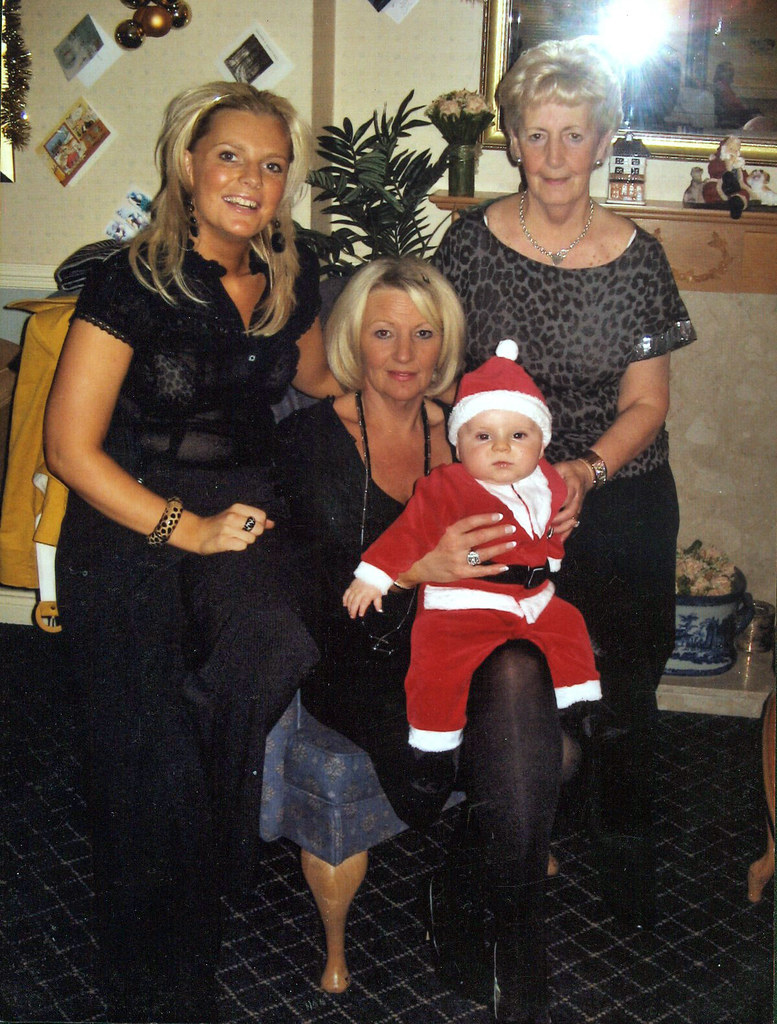 Jillian McShane Elizabeth Steel and Betty Cavanagh with Harris McShane 2008