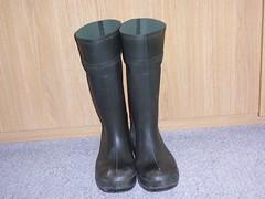 DUNLOP Purofort 396 (stevelman14) Tags: dunlop purofort donkergroengroen laarzen roodopdruk schoon poseren indoor