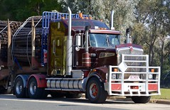 Kenworth T904 (quarterdeck888) Tags: trucks photos truckphotos australiantrucks outbacktrucks workingtrucks primemover class8 overtheroad interstate frosty quarterdeck jerilderietrucks jerilderietruckphotos flickr bdoubles logtruck kenworth t904 spiders logskels