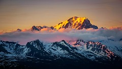Mont blanc ??? (Thierry Hudsyn) Tags: sony a6000 sel55210 montblanc sunset couchédesoleil paysage landscape mountains